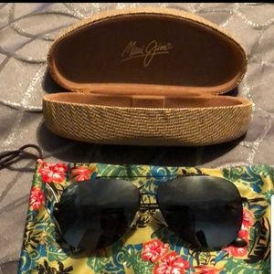 Maui Jim CONE Polarized Aviator black sunglasses
